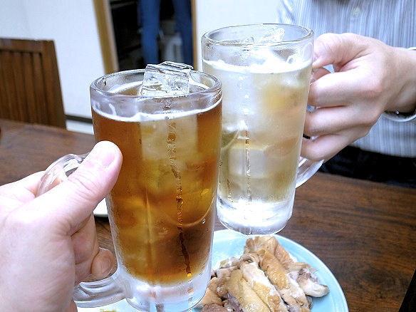 新珍味で乾杯.JPG