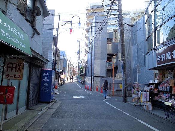 中井駅前①.JPG