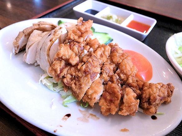 蒸し鶏と揚げ鶏.JPG
