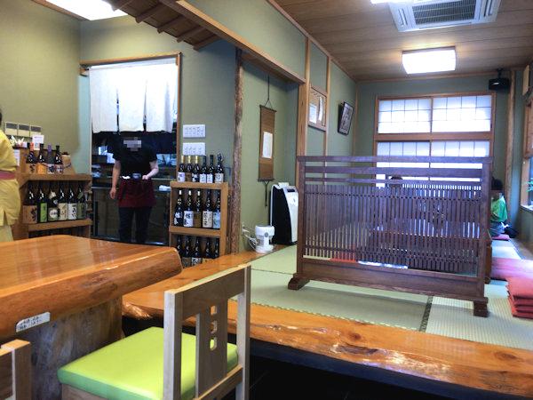 舟蕎山の店内.JPG