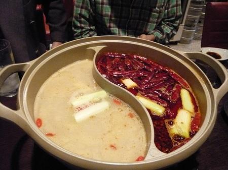 成家料理の火鍋.JPG