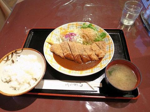 ビーフカツ定食の全容.JPG