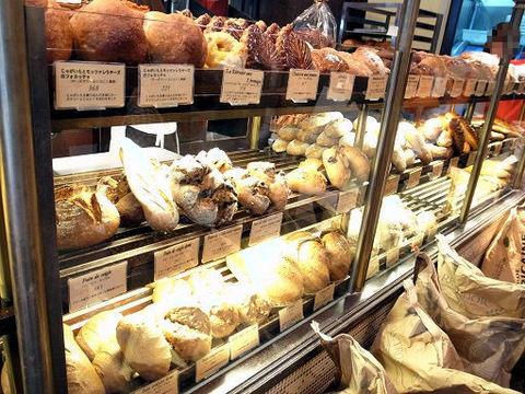 ヴィロンのパン.JPG