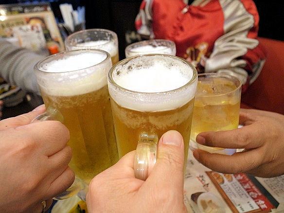 ムンバイ酒場で乾杯.JPG