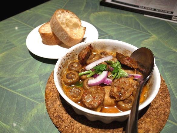 ゴア・ソーセージとマッシュルームのオーブン焼き.JPG
