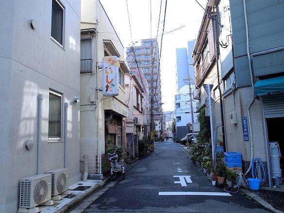 お店のある路地.JPG