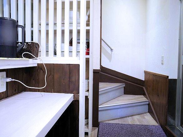 店内の階段.JPG
