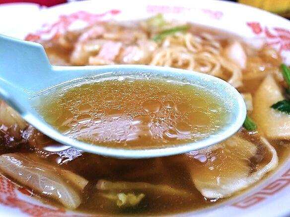 広東麺のスープ.jpg