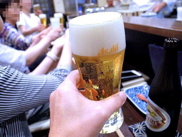 鳥田中で乾杯.JPG