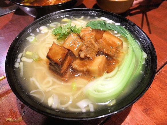 豚角煮手抻麺.jpg