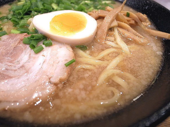 勇人らーめんのスープ.jpg