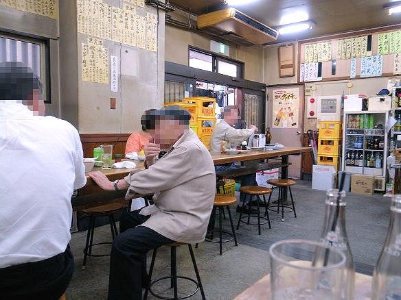 山田屋の常連席.JPG