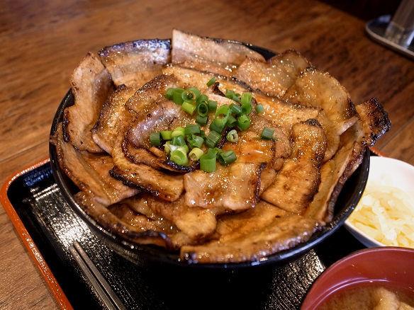 十勝風の豚丼.JPG