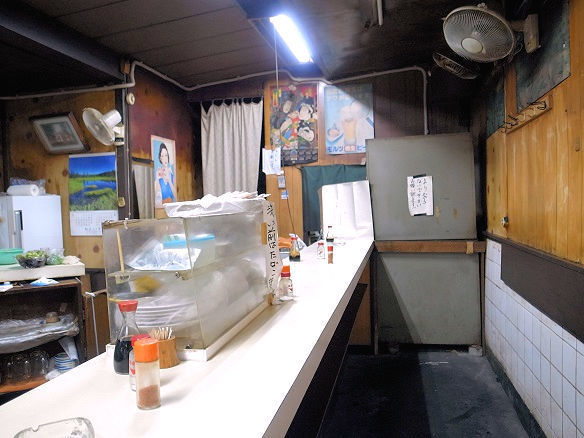 立飲スタンド 三楽の店内.JPG