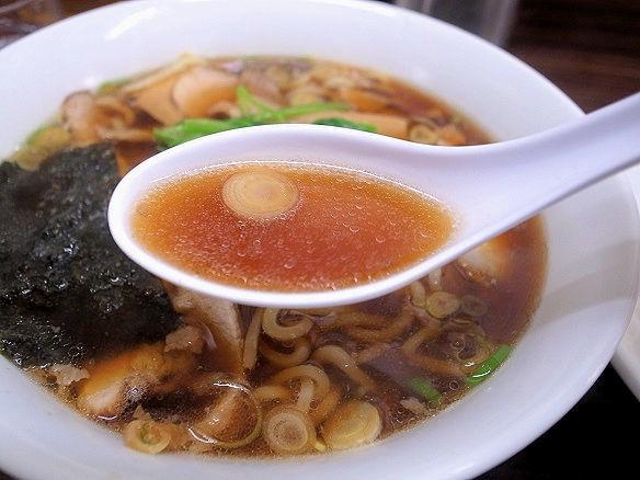 生姜醤油ラーメンのスープ.JPG