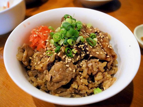 舞茸と牛すじの炊込みご飯.JPG