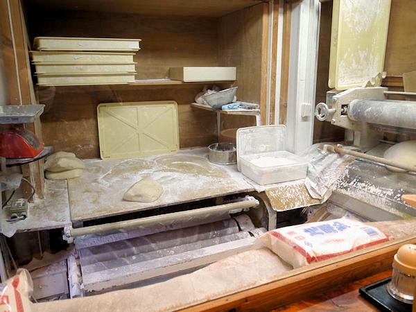 たぐち家の製麺室.JPG