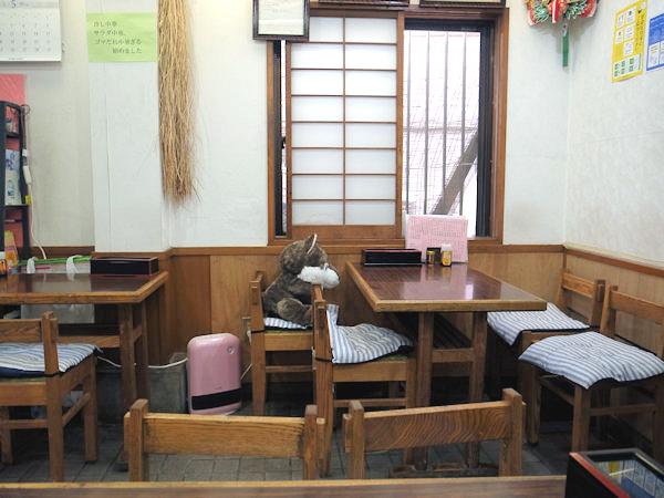 鳴子庵の店内.JPG