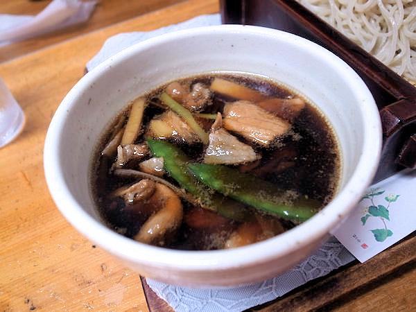 肉南セイロのつけ汁.JPG