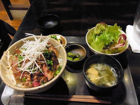 東京バルバリのビフテキ丼.JPG
