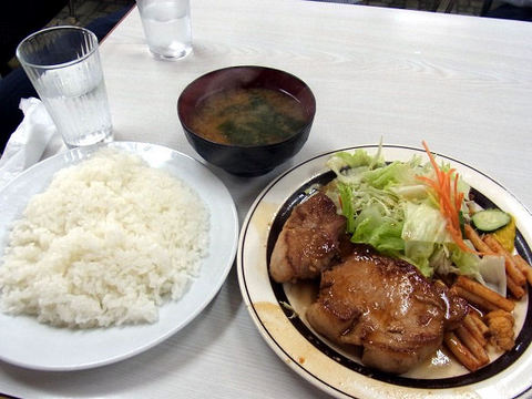ポークソテーの全容.JPG