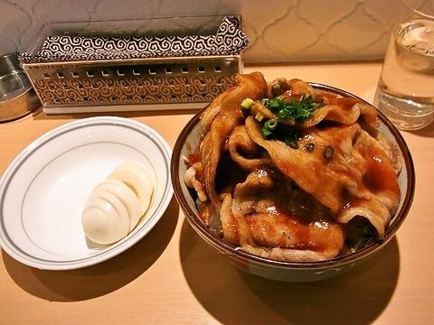 生姜焼き丼の全容.jpg
